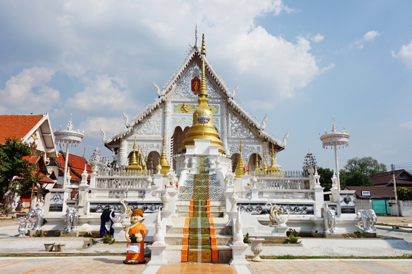 horse carting in lampang city, lampang tour, package tour chiang mai to bangkok