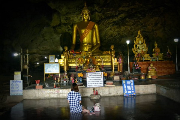 package tour chiang mai to bangkok, 4 days 3 nights package tour chiang mai to bangkok, kra sae cave, tham kra sae, khamkra sae