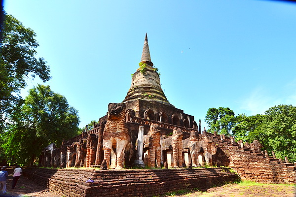 package tour from chiang Mai to sukhothai, package tour chiang mai sukhothai, Sri Sanchanalai Historical Park, Chang Lom Temple