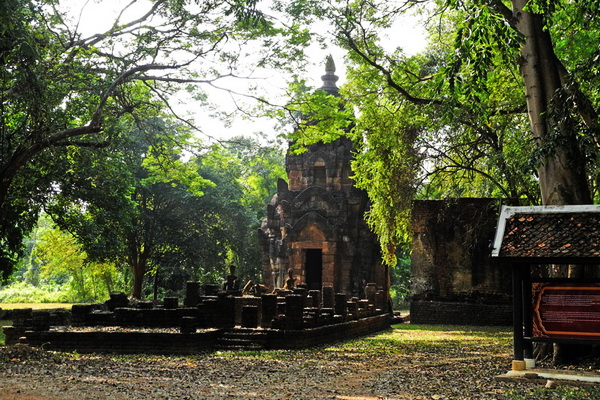 package tour from chiang Mai to sukhothai, package tour chiang mai sukhothai, Sri Sanchanalai Historical Park, Chaow Jan Temple