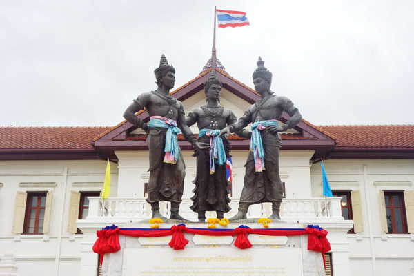 private tour chiang mai city and temple, private tour three king monument, attraction in chiang mai, chiang mai attractions