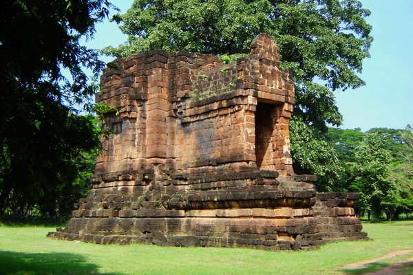 package tour from chiang Mai to sukhothai, package tour chiang Mai sukhothai, Ta Pha Daeng Shrine