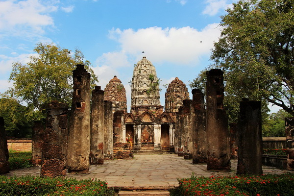 package tour from chiang Mai to sukhothai, package tour chiang Mai sukhothai, WatSriSawai
