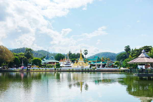 maehongson loop tour, chiang mai to maehongson loop tour, maehongson tour packages, chong kham and chong klang temple