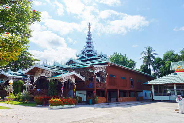 maehongson loop tour, chiang mai to maehongson loop tour, maehongson tour packages, chong kham temple