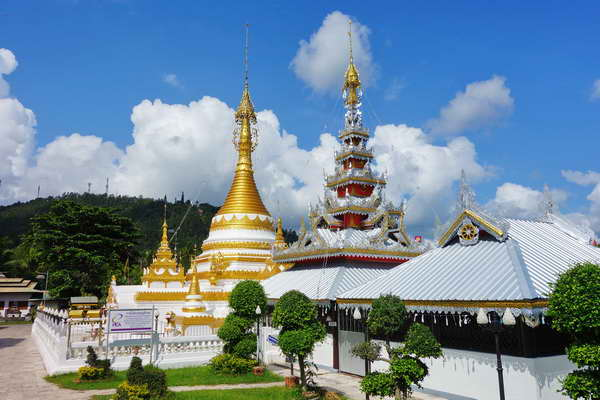 maehongson loop tour, chiang mai to maehongson loop tour, maehongson tour packages, chong klang temple