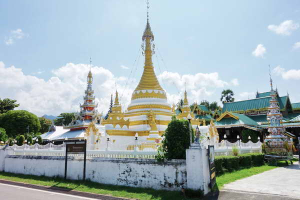 package tour pai – mae hong son loop, maehongson loop tour, chiang mai to maehongson loop tour, maehongson tour packages, chong klang temple