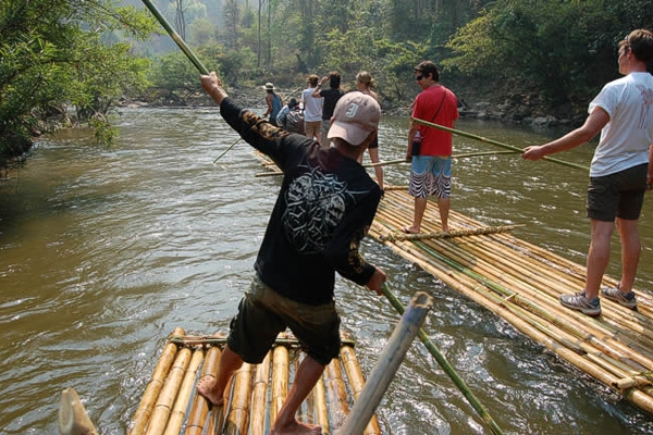 package tour rafting along pai river, package tour pai, maehongson tours, bamboo rafting in pai