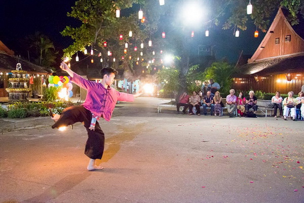 Chiang Mai Khantoke Dinner and A cultural show