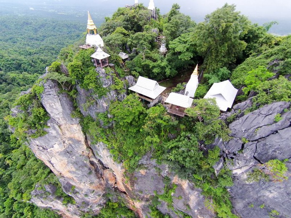 Wat Chaloem Phra Kiat Lampang, Wat Chaloem Phra Kiat Phrachomklao Rachanusorn, Lam Pang – Chiang Rai – Phu Chi Fah tour package, 4 days Lam Pang – Chiang Rai – Phu Chi Fah tour package, 4 days Lam Pang – Chiang Rai – Phu Chi Fah, 4 Days 3 Nights in Lam Pang – Chiang Rai – Phu Chi Fah, 4 days Chiang Mai to Lam Pang – Chiang Rai – Phu Chi Fah tour package