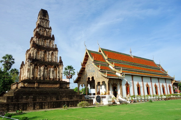 private tour lampang and lamphun, private tours chiang mai, private tour jamdevi temple