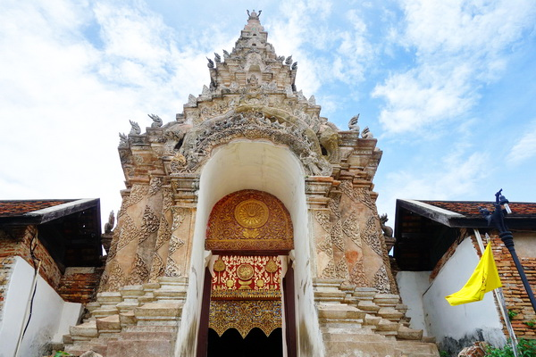 package tour from chiang Mai to sukhothai, package tour chiang Mai sukhothai, lampang luang temple