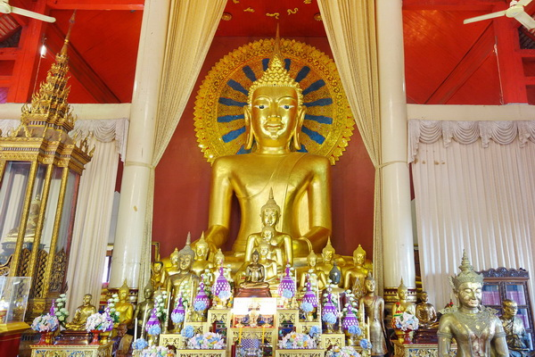 private tour chiang mai city and temple, private tour phra singh temple, private tour wat phra singh