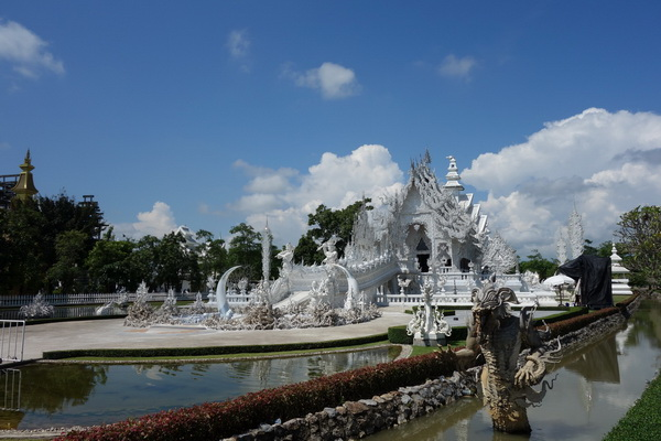 rong khun temple, white temple, important temples in chiang rai, chiang rai temples, wat rong khun