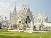 important temples in the north of thailand, Wat Rong Khun