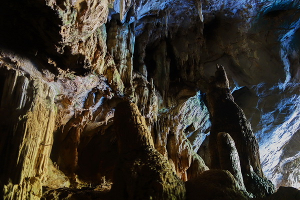 tham lod cave, tham lod, attractions in mae hong son