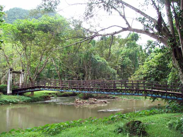 tham pla – namtok pha suea national park, tham pla – namtok pha suea, national parks in northern thailand, national parks in mae hong son, national parks in maehongson
