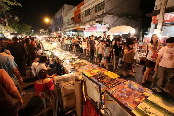 chiang rai walking Street, chiang rai khon muan street, chiangrai walking Street, chiangrai khon muan street