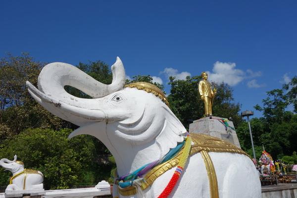 phraya singhanat racha memorial, phraya singhanatracha memorial, phraya singhanat racha, phraya singhanatracha, the 1st ruler of mae hong son, the 1st ruler of maehongson, phraya singhanat racha statue, phraya singhanatracha statue