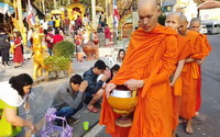 offering to monks, food offering to monks, offering to monks at morning