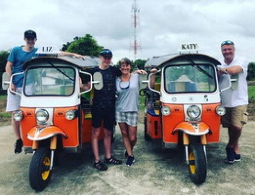 Adventure13 : Tuktuk Driving Tour